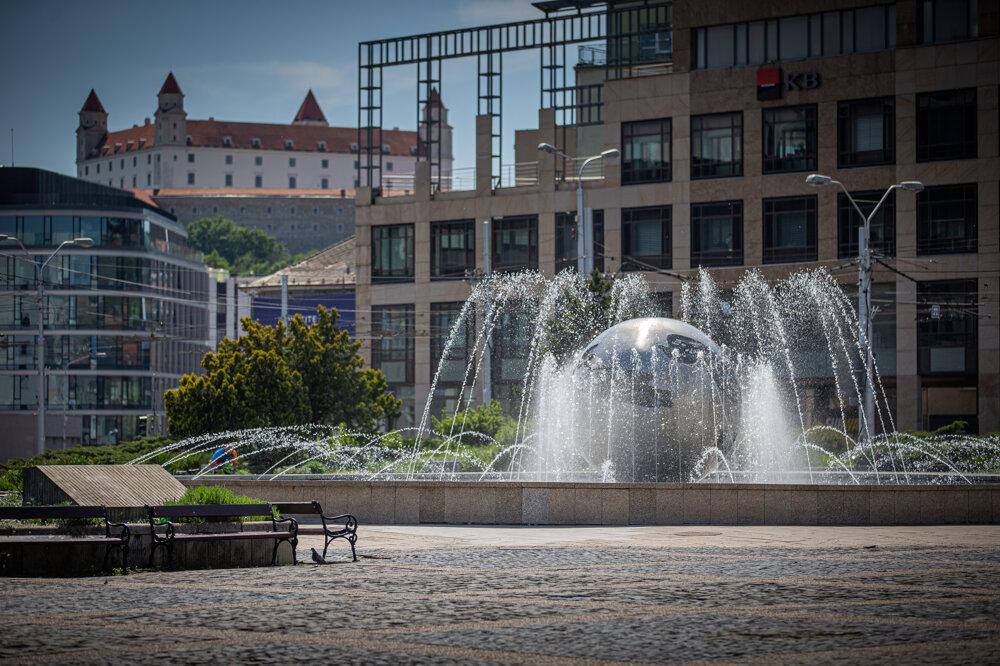Fountain Planéta